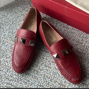 SOLD 🎉🎉Valentino Garavani Rockstud loafers